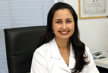 Dra-Christiane-Aires-Teixeira